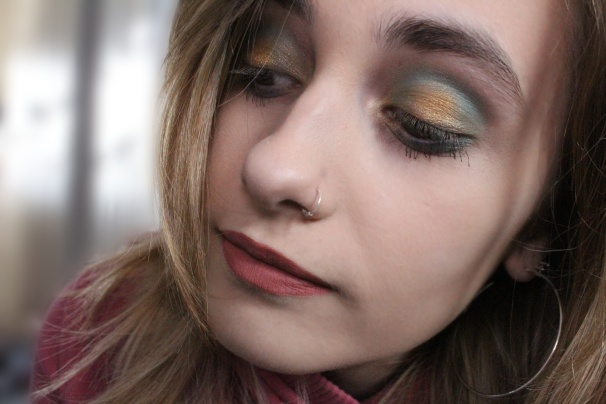 Mermaids heart makeup look